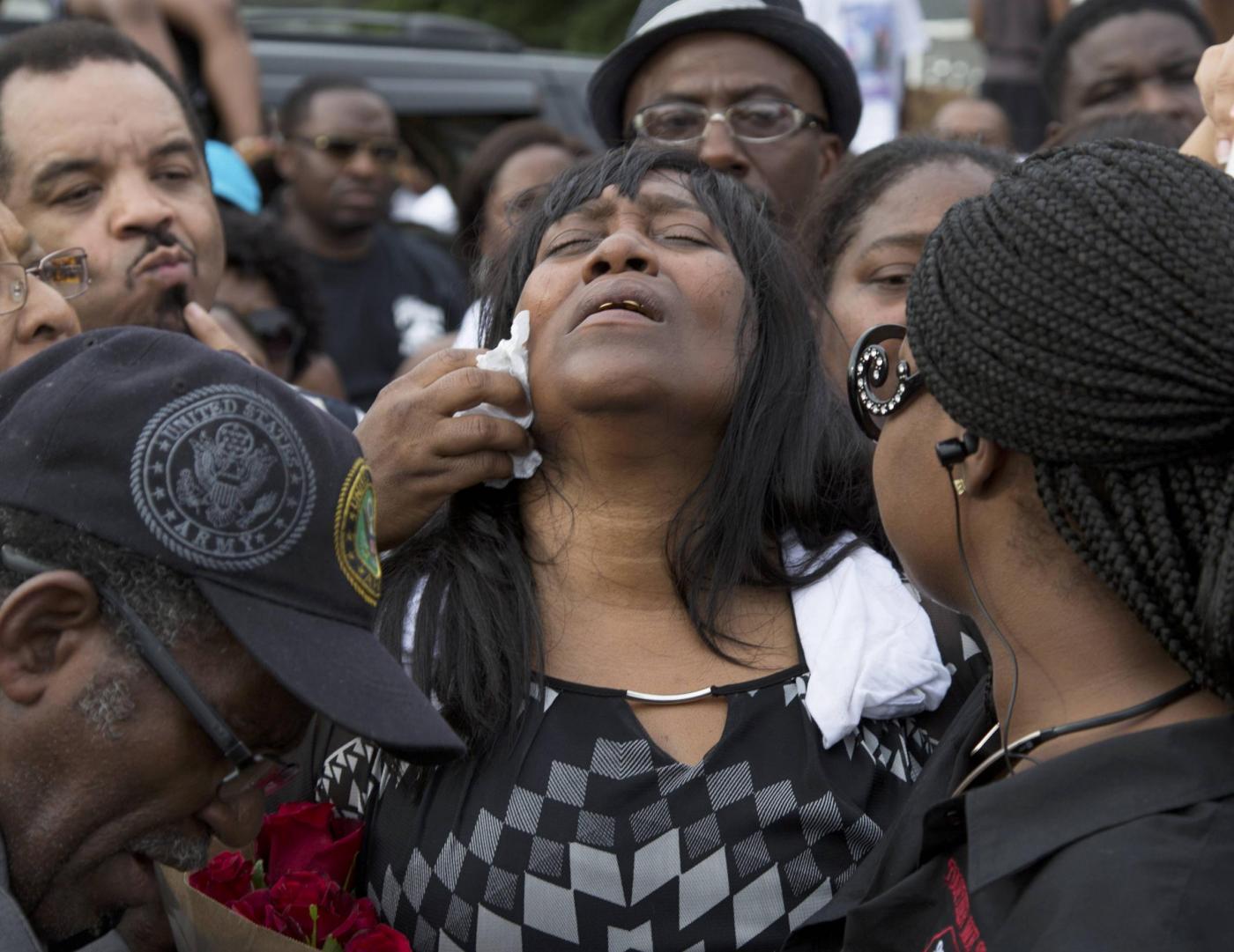 Baton Rouge, commemorazione di Alton Stering ucciso dalla polizia