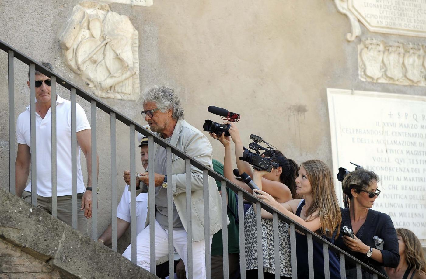Beppe Grillo a sorpresa in Campidoglio da Virginia Raggi