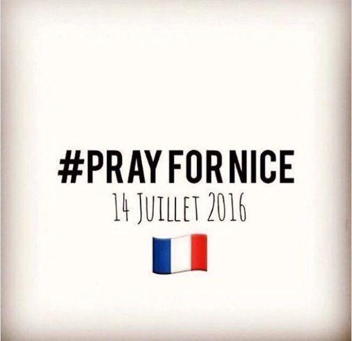 Attacco a Nizza: il cordoglio dei social network