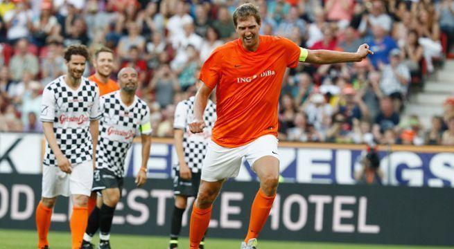 Nowitzki imita Zaza e il suo rigore sbagliato contro la Germania [VIDEO]