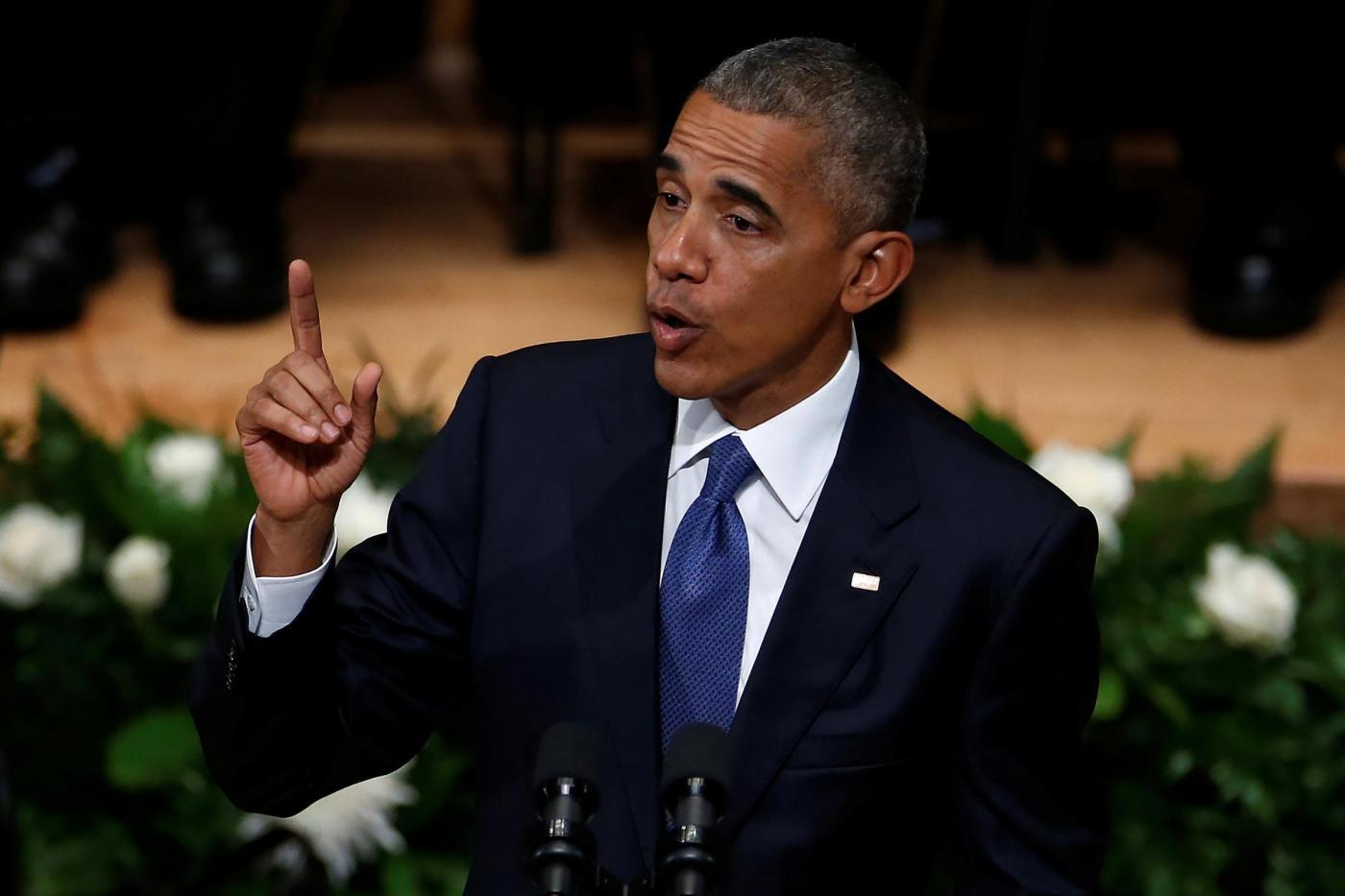 Dallas, anche il presidente Obama alla veglia di una delle vittime della strage