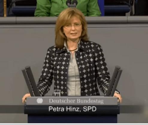 Germania, deputata si dimette: ha falsificato il curriculum