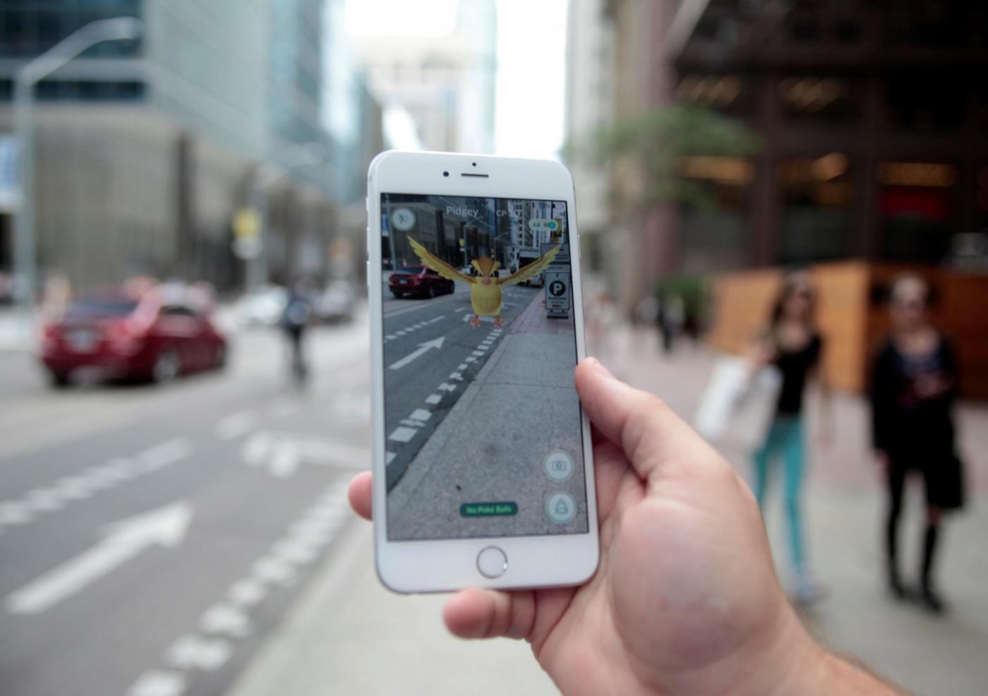 Telefono Azzurro: 'Pokemon Go un pericolo per i bambini'
