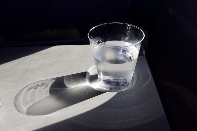 acqua metodi singhiozzo