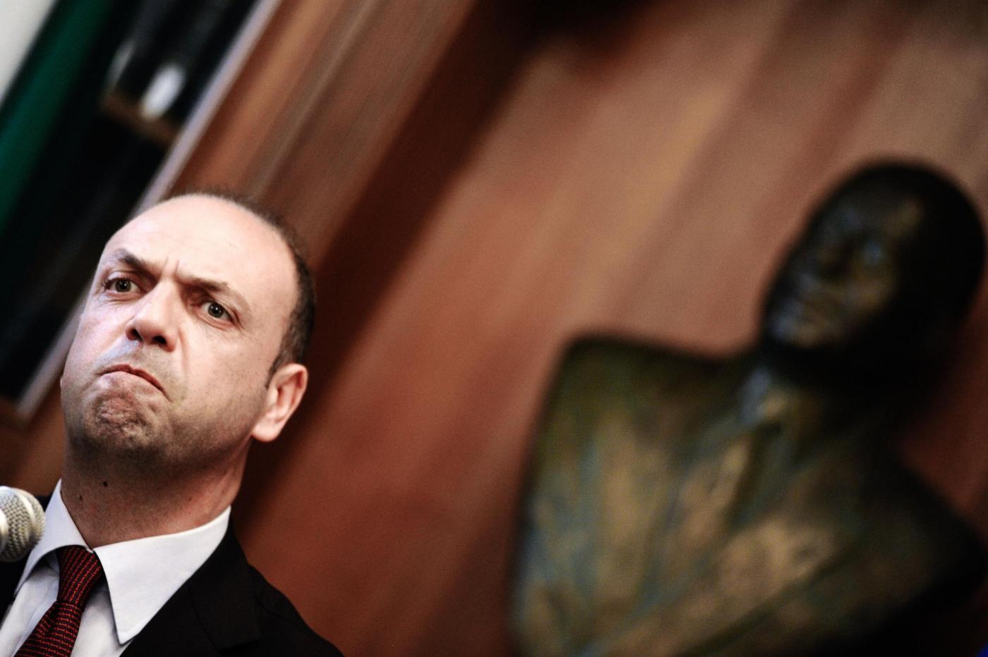 Inchiesta Labirinto, cos'è l'indagine che sta mettendo a rischio il ministro Alfano e il governo