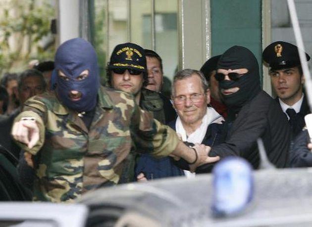 Bernardo Provenzano: morto il boss di Cosa Nostra. Vietati i funerali in chiesa