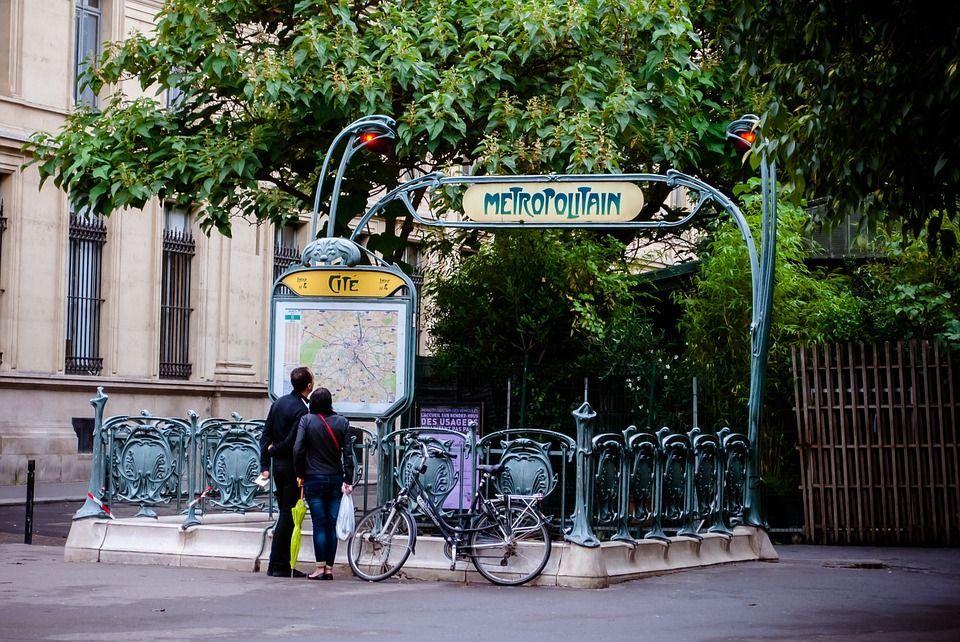 Piste ciclabili a Parigi: la capitale francese sempre più amante delle due ruote