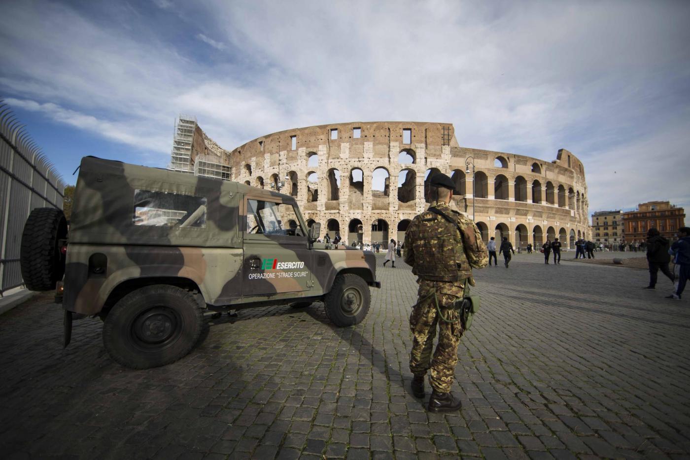 Controlli di sicurezza anti terrorismo a Roma