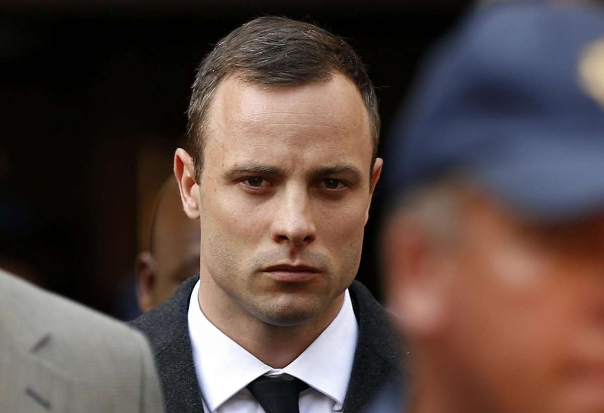 Oscar Pistorius condannato a 6 anni di carcere per l'omicidio della fidanzata