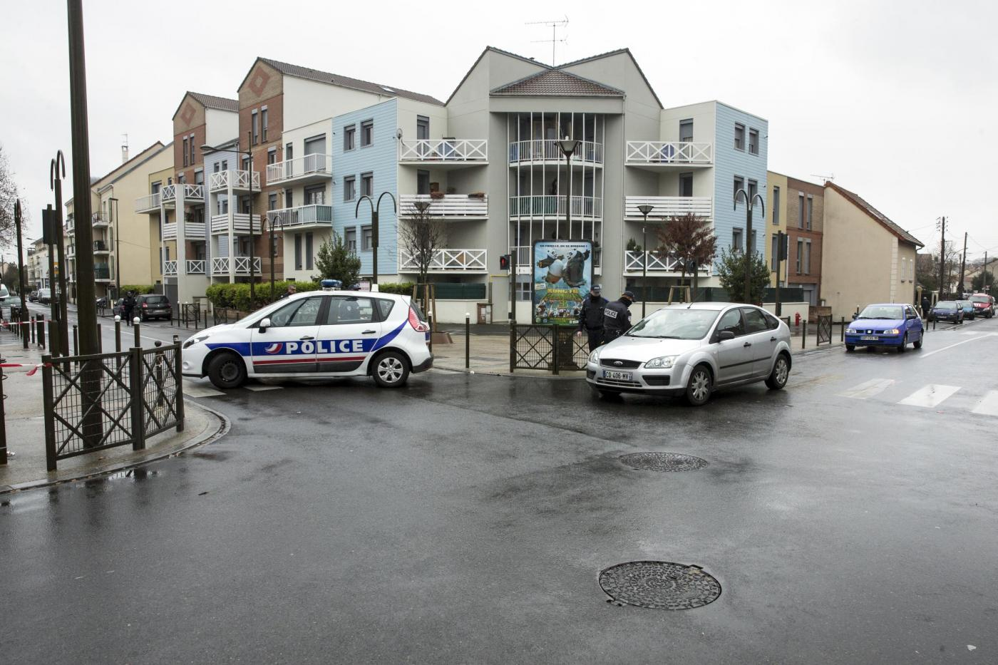 Parigi, accoltellato al grido di 'Allah Akbar' il direttore di una onlus