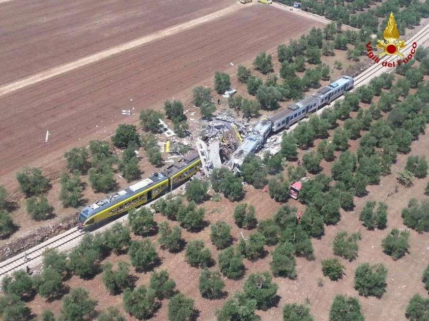Turismo dell'orrore: selfie notturni sul luogo del disastro ferroviario in Puglia