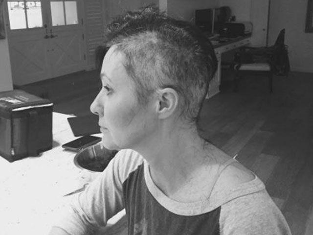 Shannen Doherty su Instagram: si rasa a zero per la chemio
