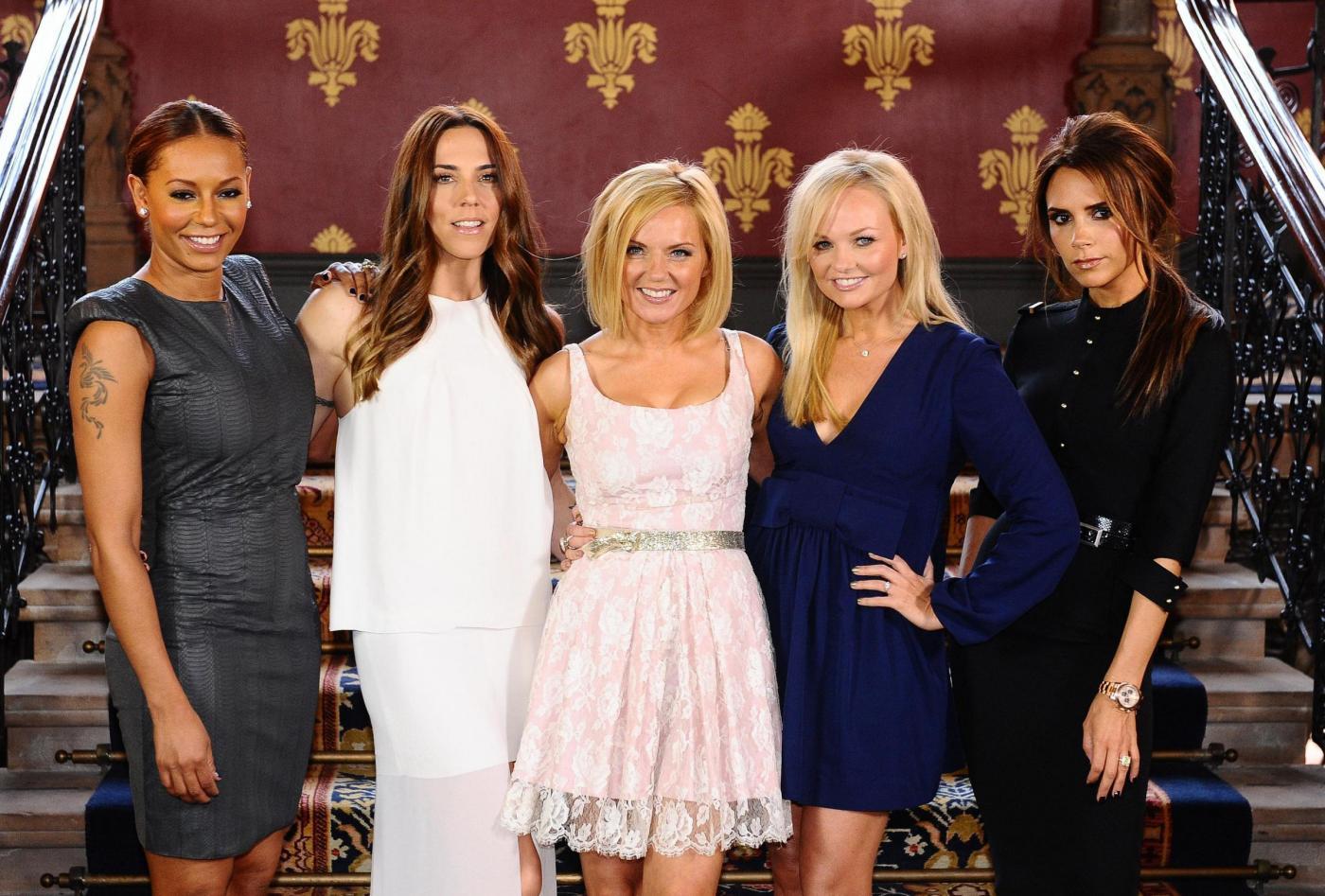 Victoria Beckham blocca la reunion delle Spice Girls: non potranno cantare le hit storiche