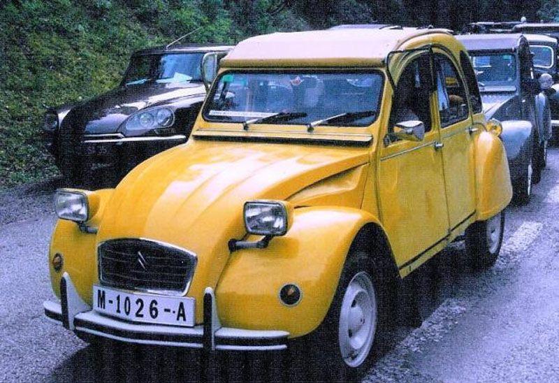La Citroën 2CV di 007 nel film Solo per i tuoi occhi