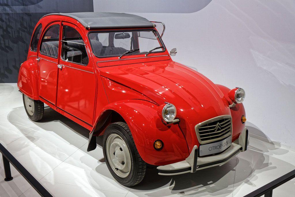 Le auto che hanno cambiato la storia: Citroën 2CV, bella per tutti