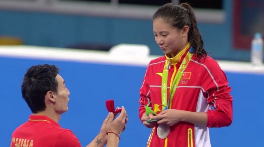 Olimpiadi 2016: proposta di matrimonio per la tuffatrice cinese He Zi