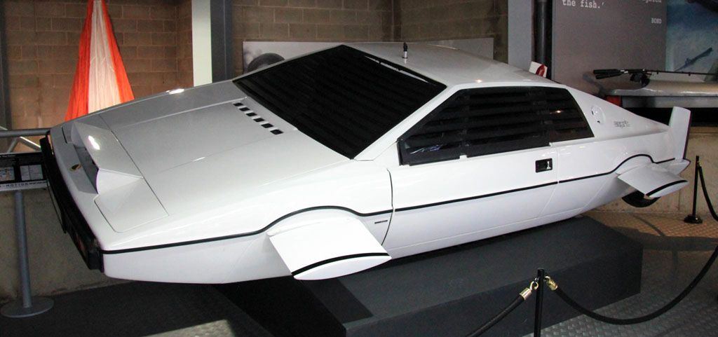 Lotus Esprit James Bond 1