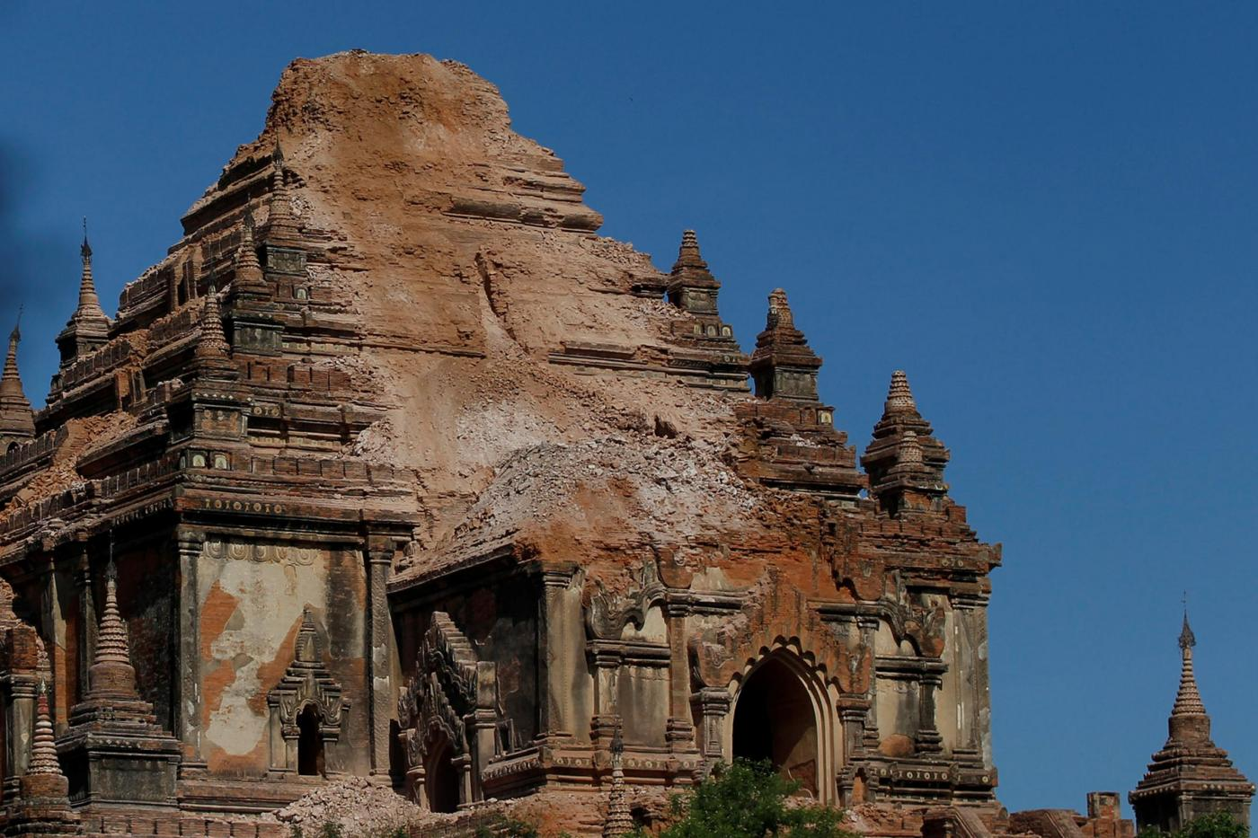 Myanmar, terremoto danneggia 200 templi