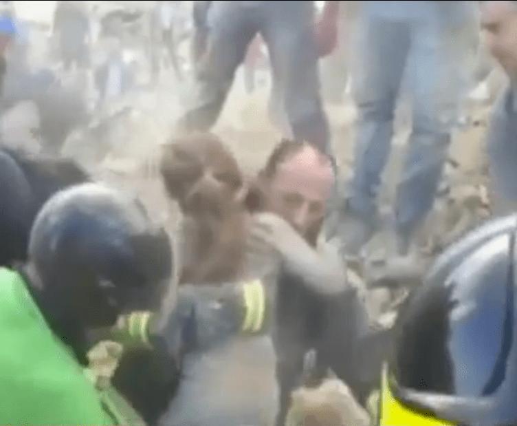 Terremoto Centro Italia, bambina di 10 anni estratta viva dopo 17 ore