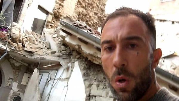 Terremoto in Centro Italia: il selfie della discordia di Simone Coccia Colaiuta