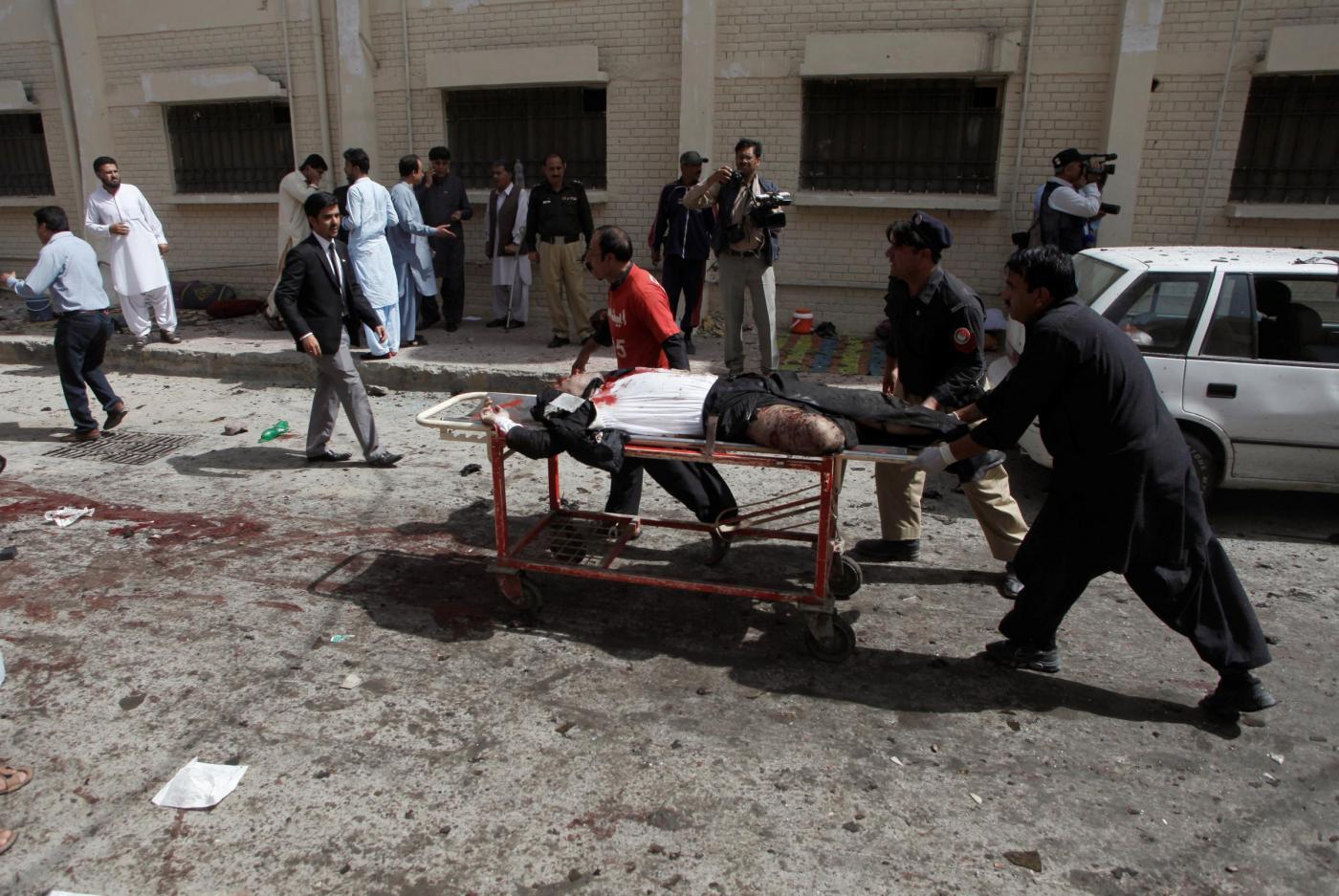 Pakistan, esplode una bomba nei pressi di un ospedale a Quetta