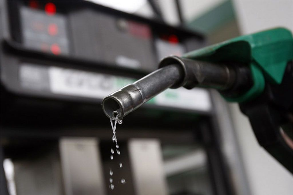 Benzina invece di gasolio: cosa fare per non distruggere il motore diesel