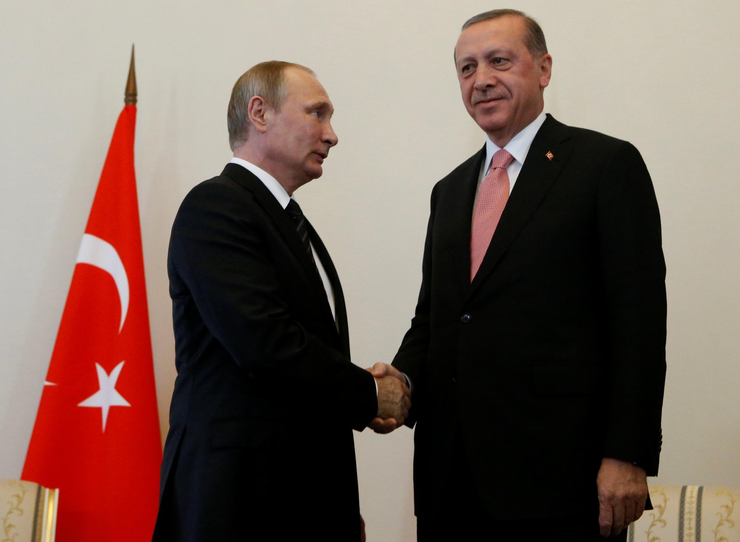 Putin e Erdogan a San Pietroburgo: l'incontro del disgelo