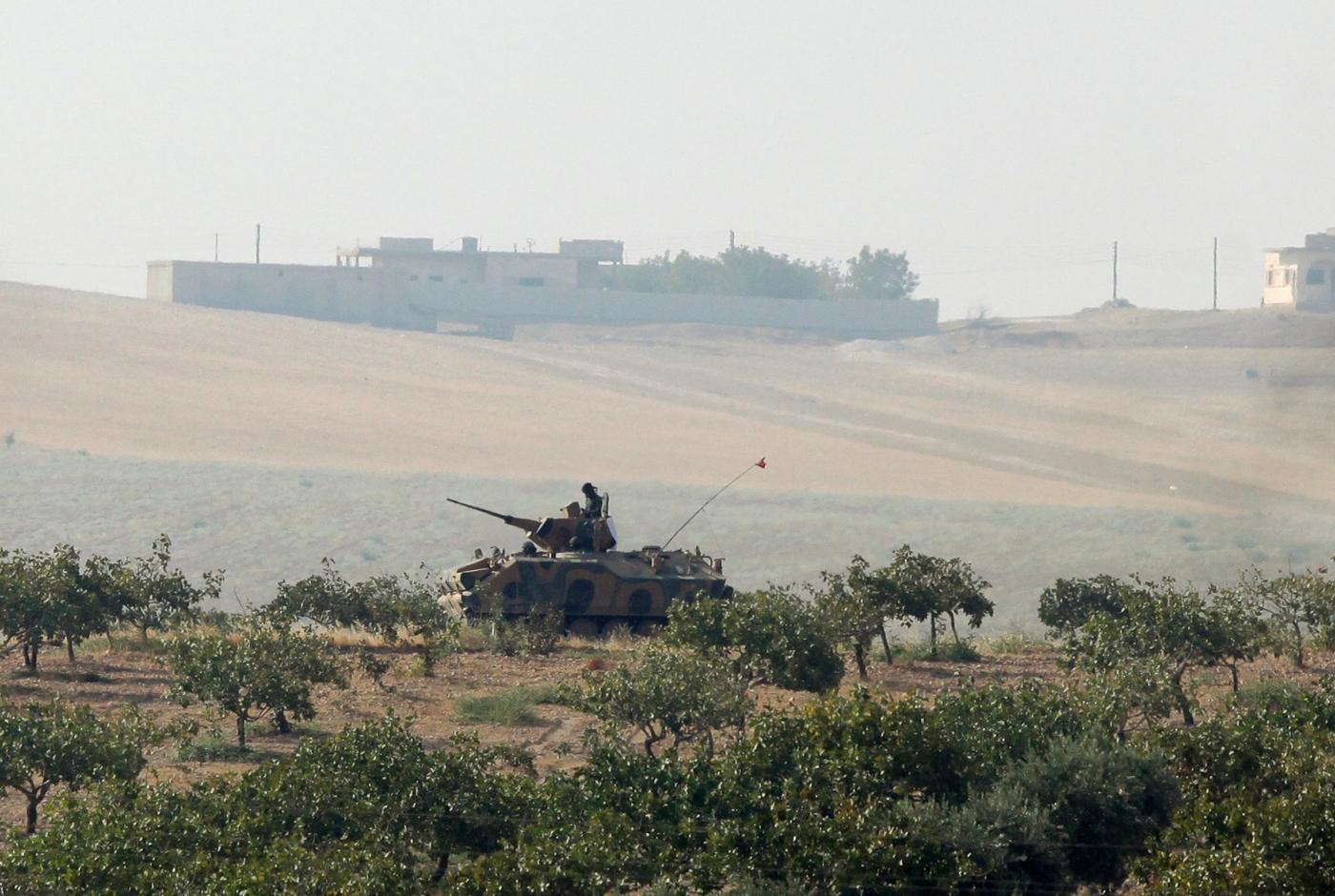 Siria, carri armati turchi sul territorio per combattere l'isis e i curdi