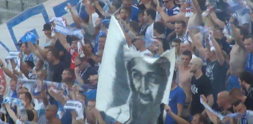 Striscione con volto di Bin Laden sugli spalti