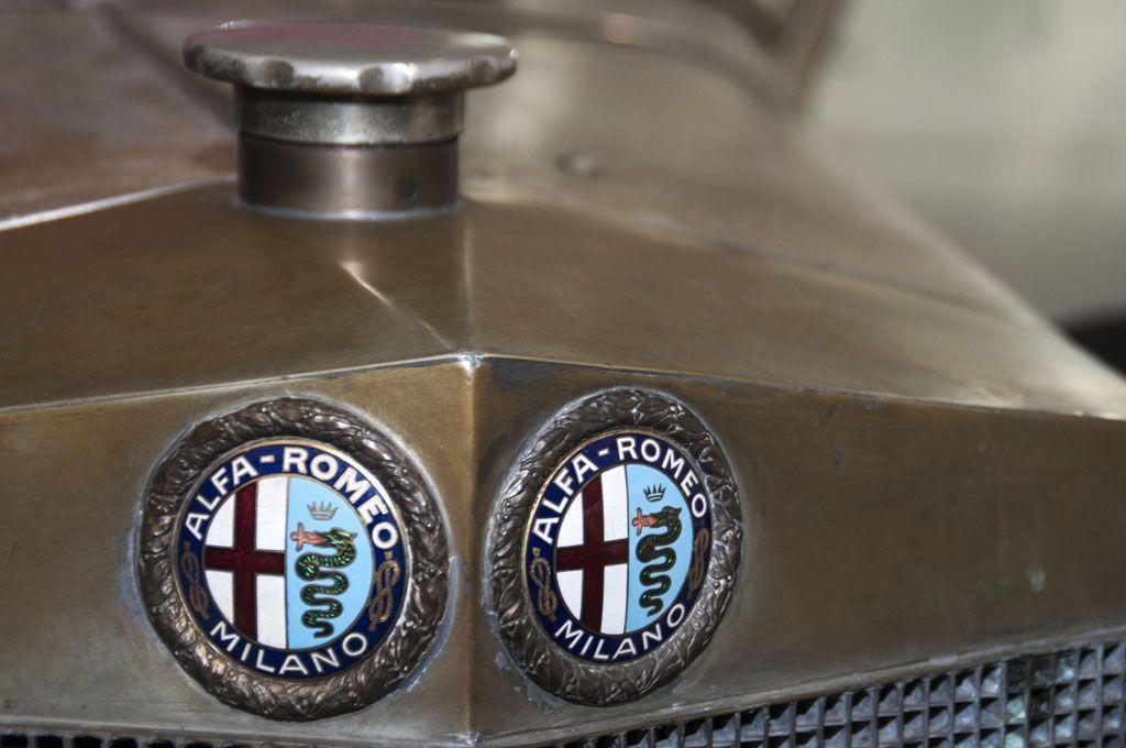 Simboli delle case automobilistiche: il biscione dell'Alfa Romeo