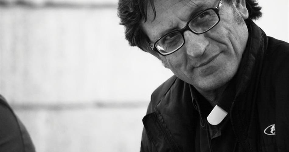 Abbattimento Vele di Scampia, le perplessità di Don Aniello Manganiello