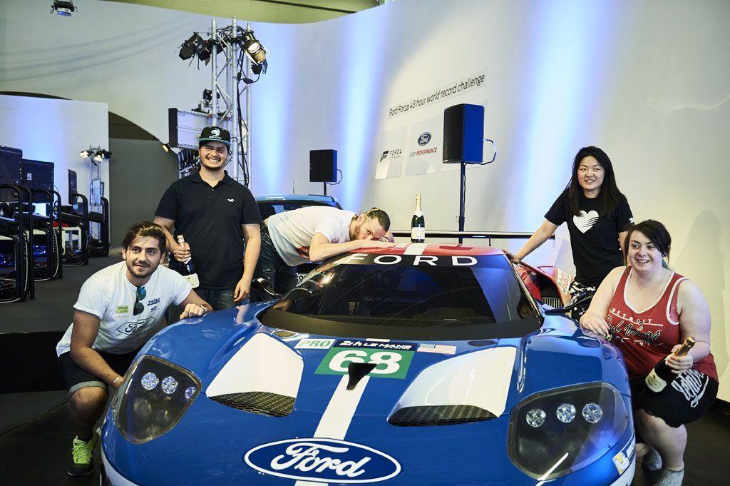 Record del mondo nella guida virtuale della Ford GT a Le Mans