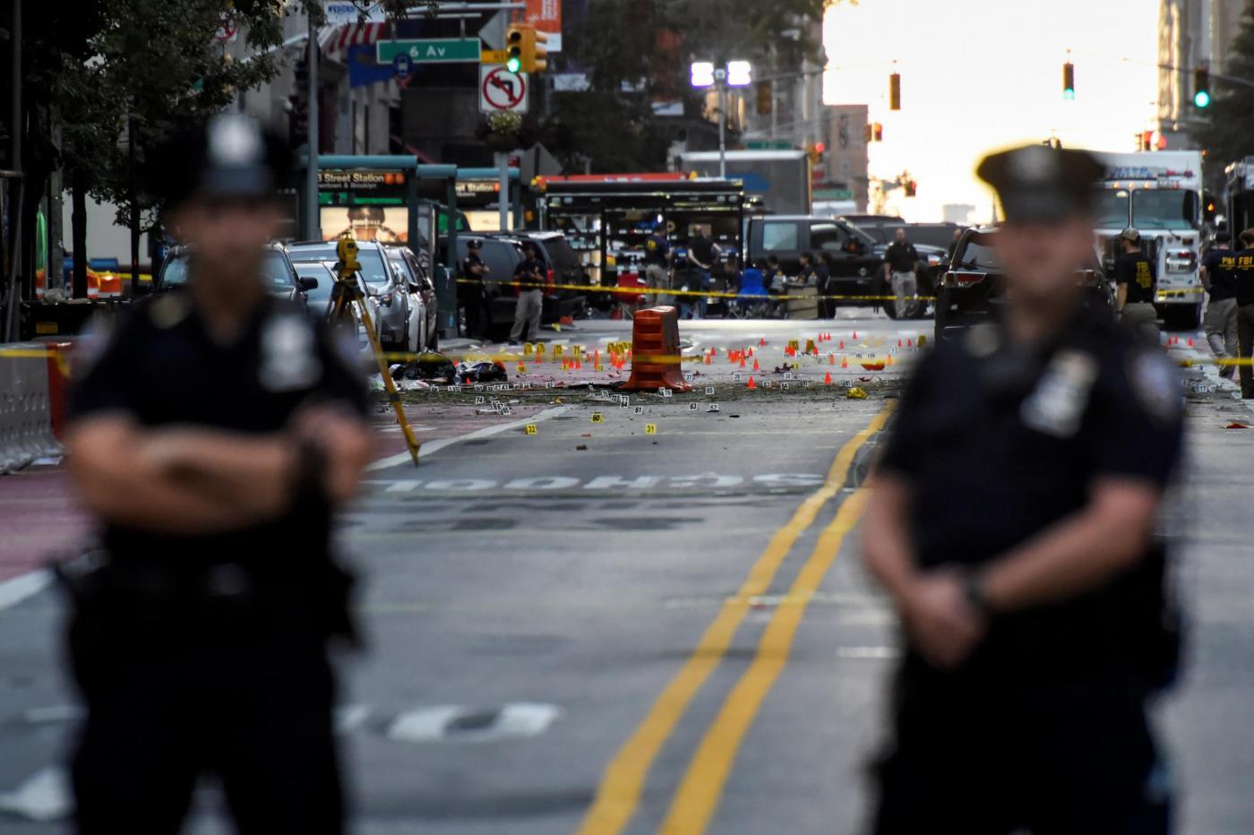Forte esplosione nel cuore di New York