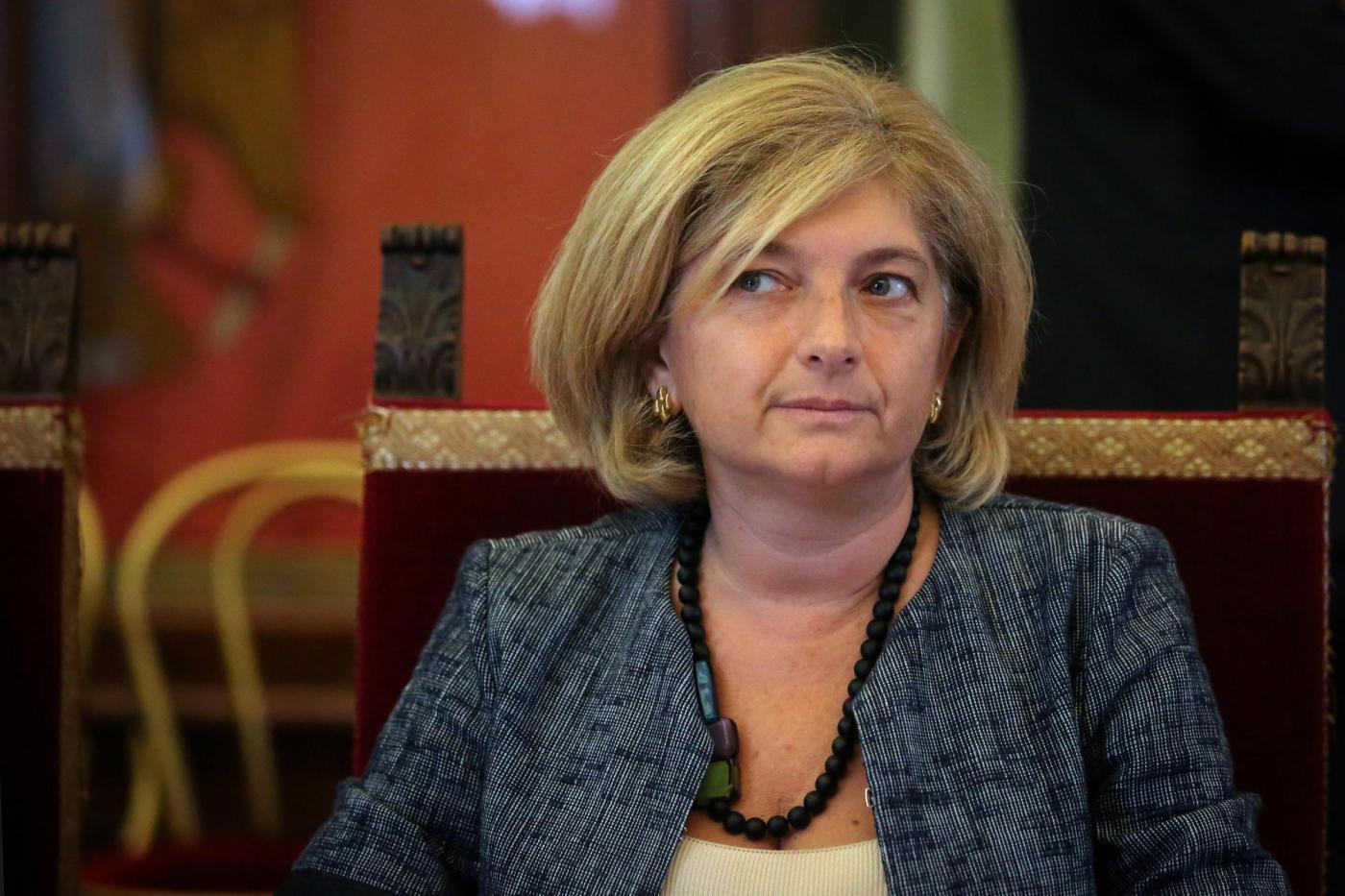 Rifiuti Roma, caso Muraro: indagata per abuso d'ufficio con l'uomo di Mafia Capitale