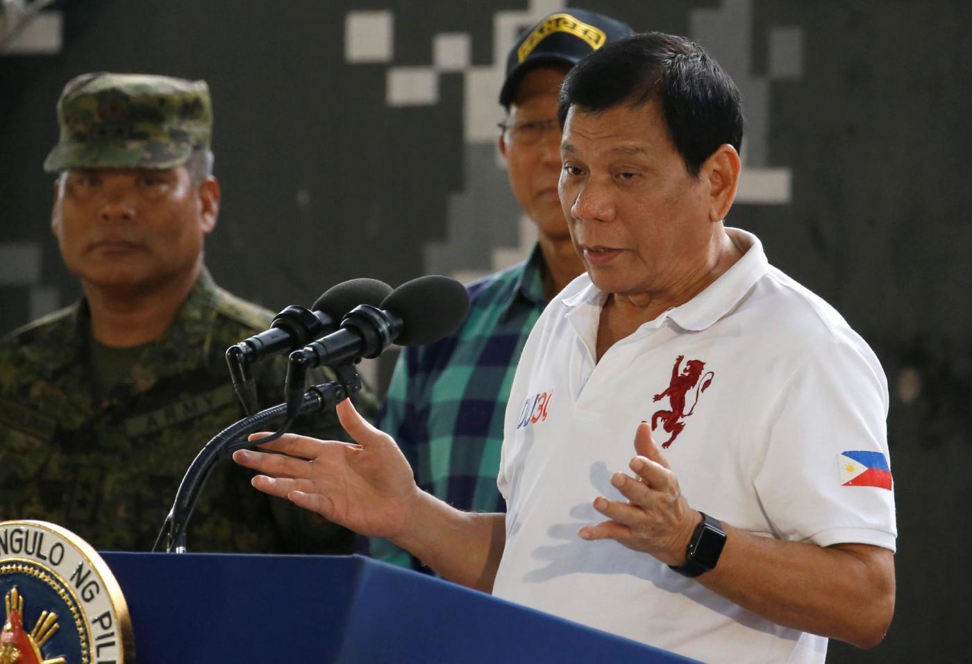 Duterte, il presidente castigatore si inchina a Russia e Cina: 'Noi tre contro l'America'