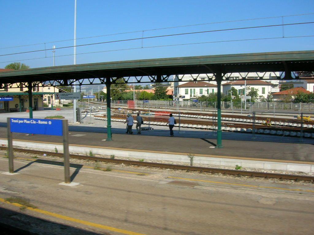 Pisa, bimbo di tre anni rapito in stazione mentre i genitori dormono