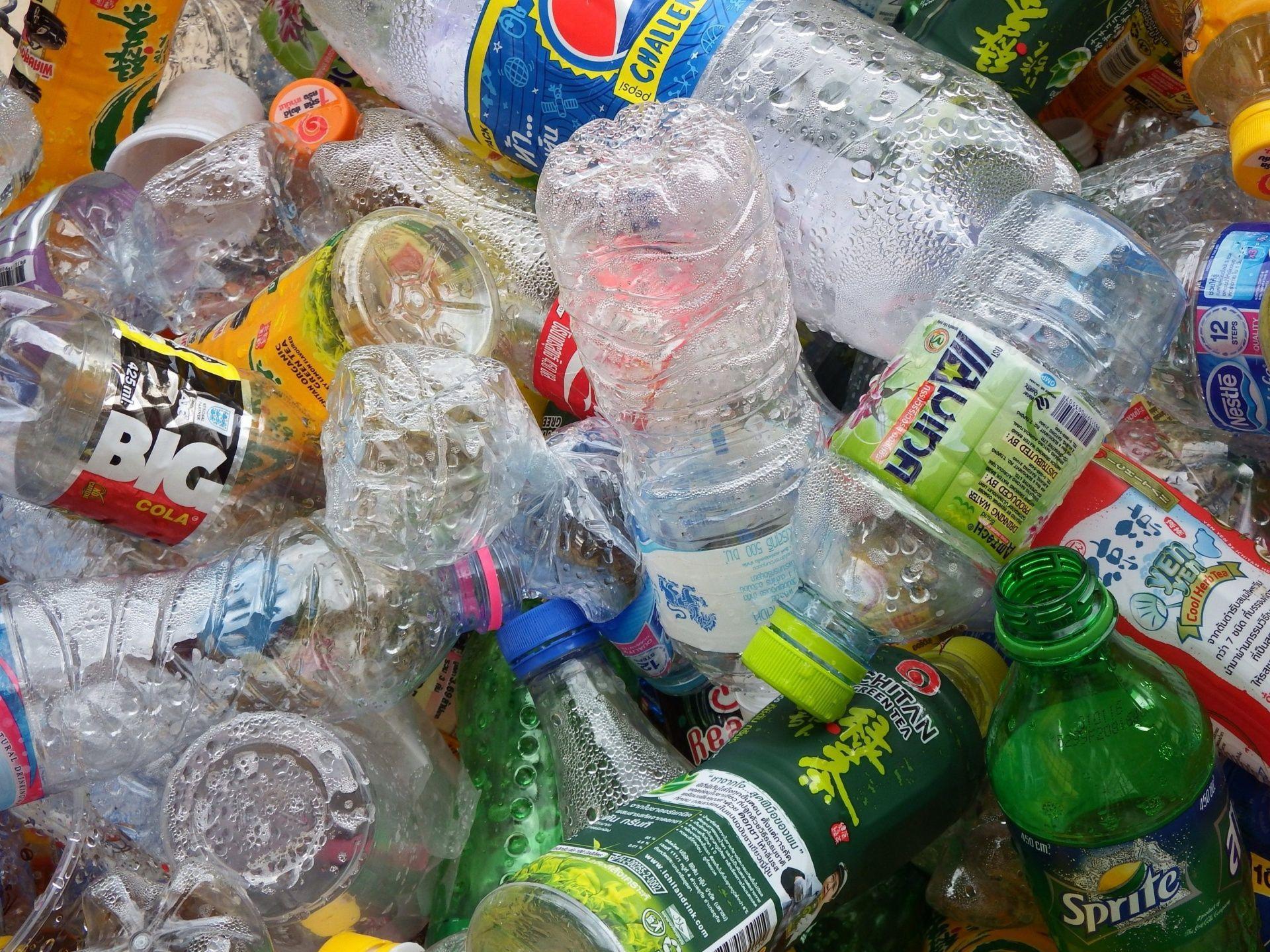 Eco compattatori Roma: a Colle Monfortani 5 centesimi per ogni bottiglia riciclata