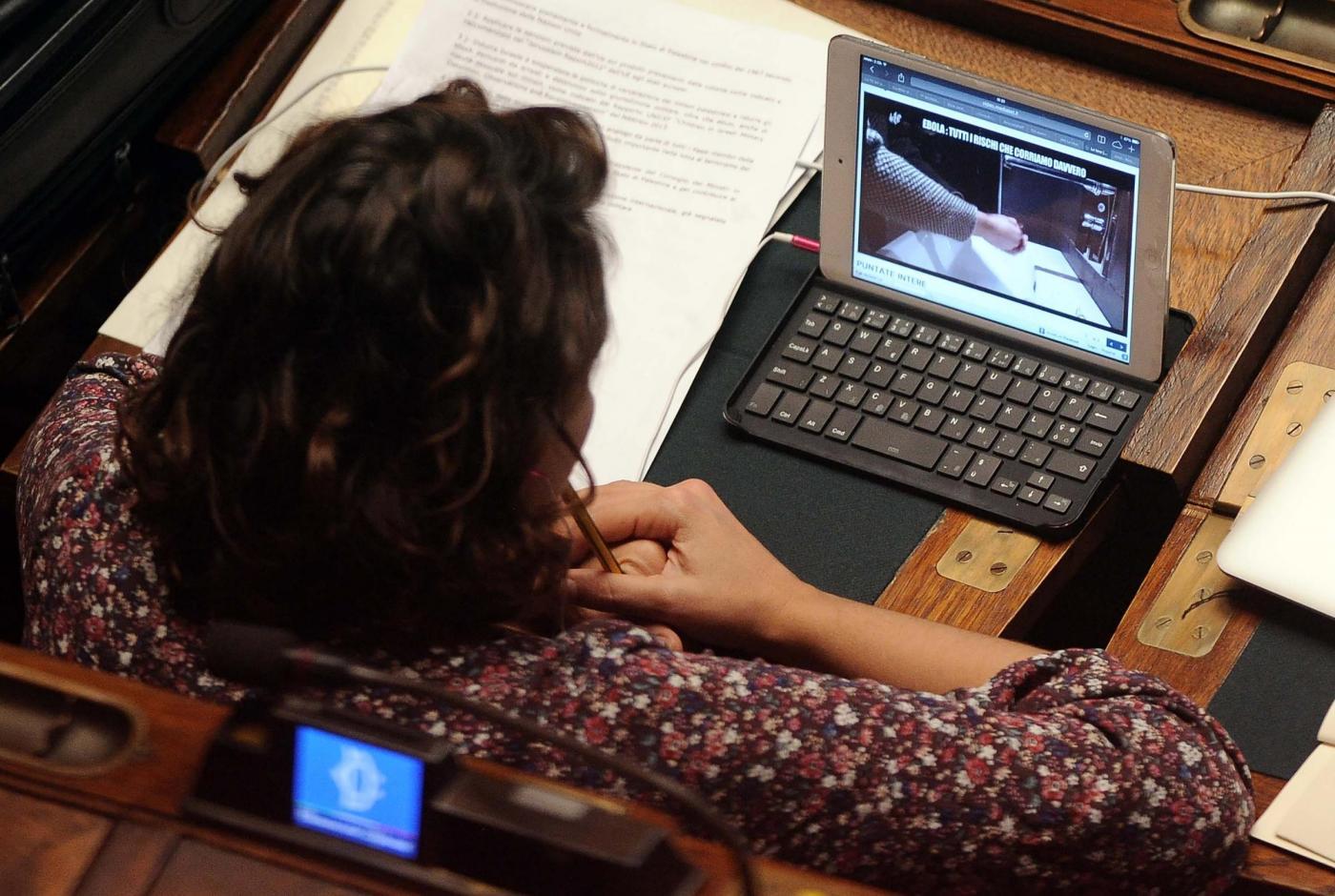 Camera Deputati, ridono i fannulloni: stop ai giornalisti in aula