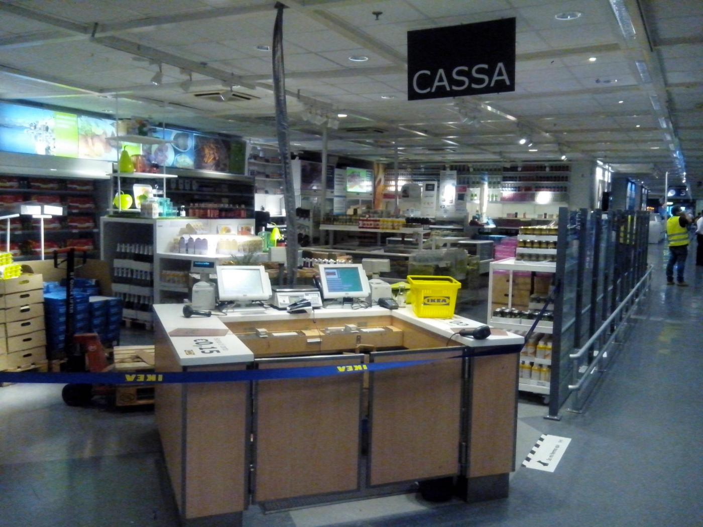 Padova, due nomadi all'Ikea rubano oggetti per oltre 2000 euro: arrestate