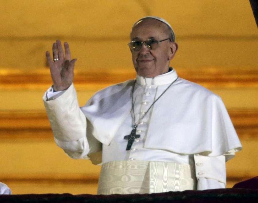 il papa si rivolge ai fedeli