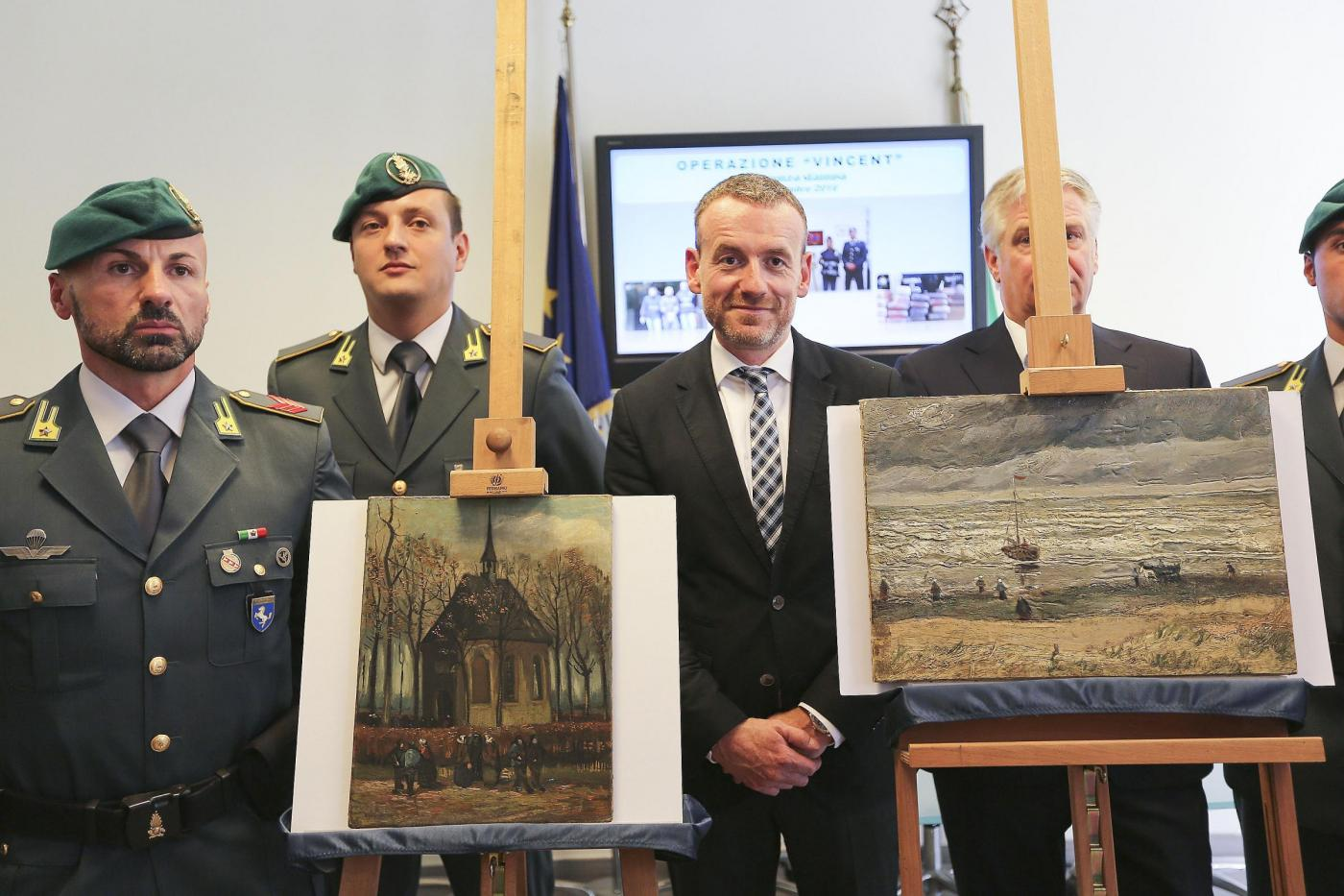 Van Gogh: le opere rubate nel 2002 ad Amsterdam ritrovate vicino Napoli