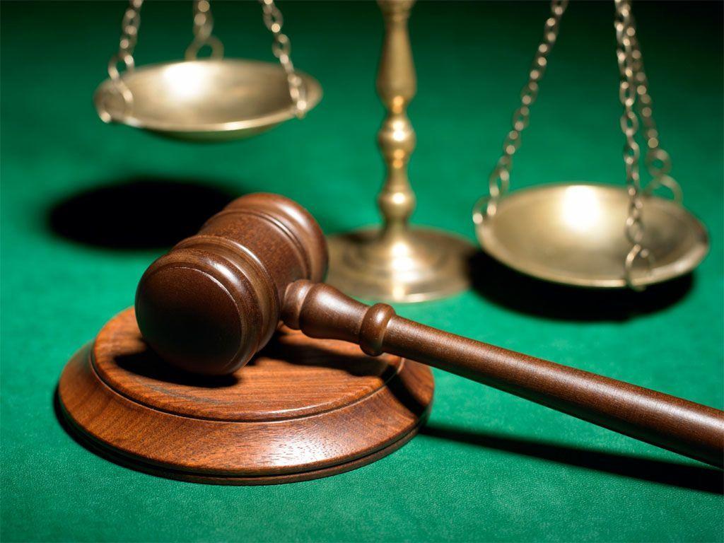 Pedone senza giubbotto, condanna annullata all'automobilista