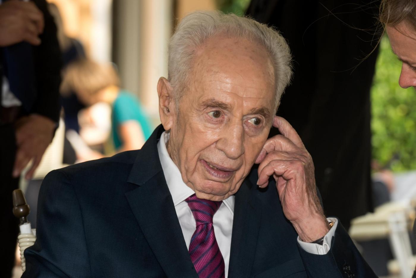 Shimon Peres colpito da ictus: stabili ma ancora gravi le sue condizioni