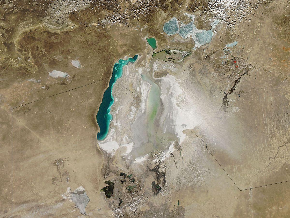 Terra e mare: studio da satelliti Landsat dimostra la diminuzione degli spazi acquatici