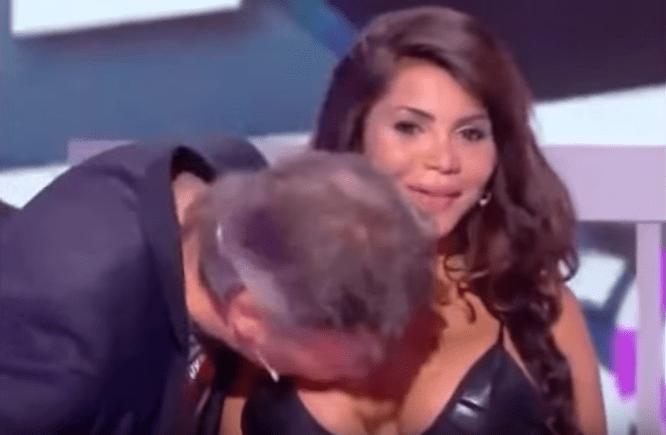 Bacia il seno all'attrice in diretta tv: presentatore francese nella bufera