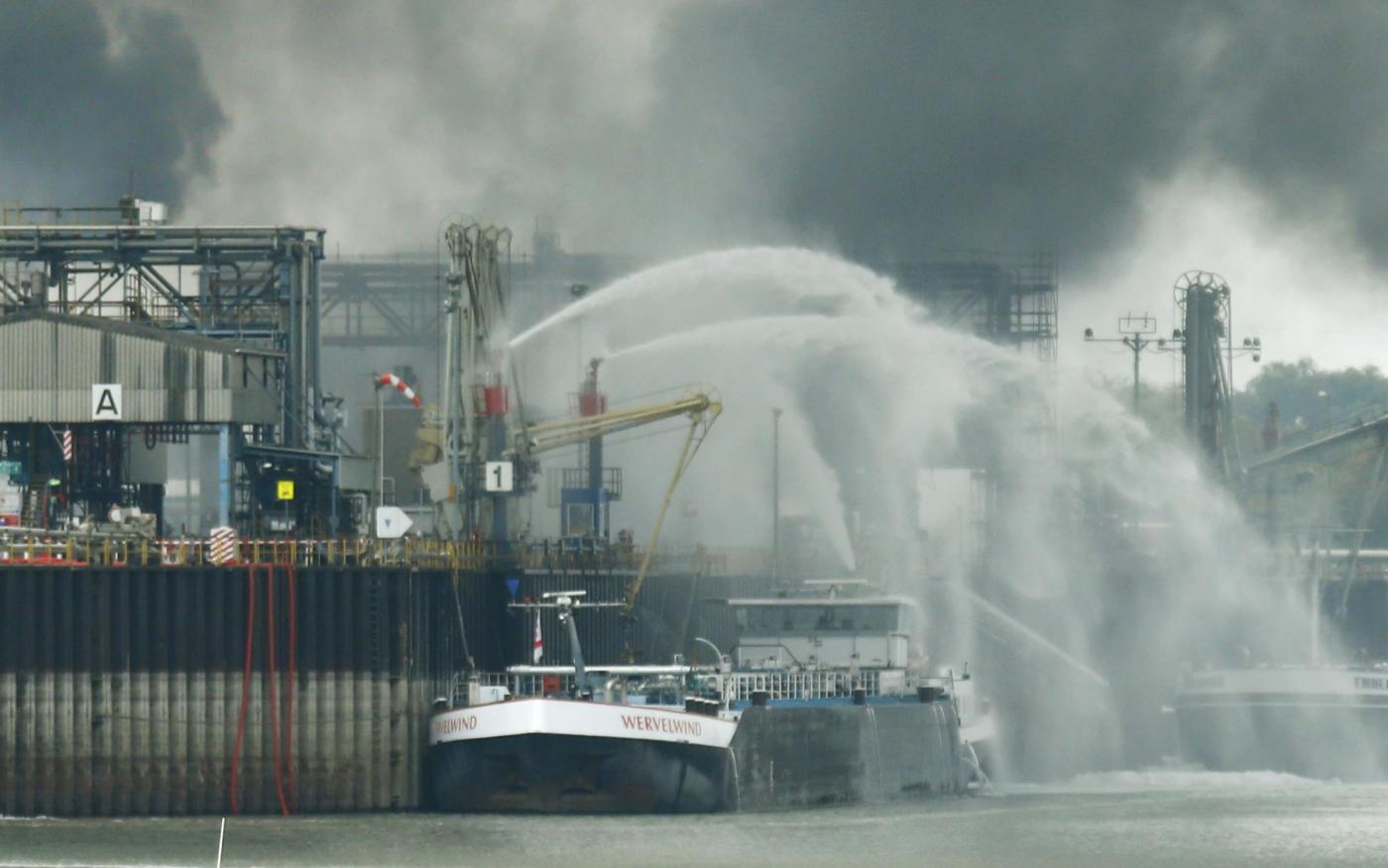 Germania, esplosione in due impianti chimici a Ludwigshafen