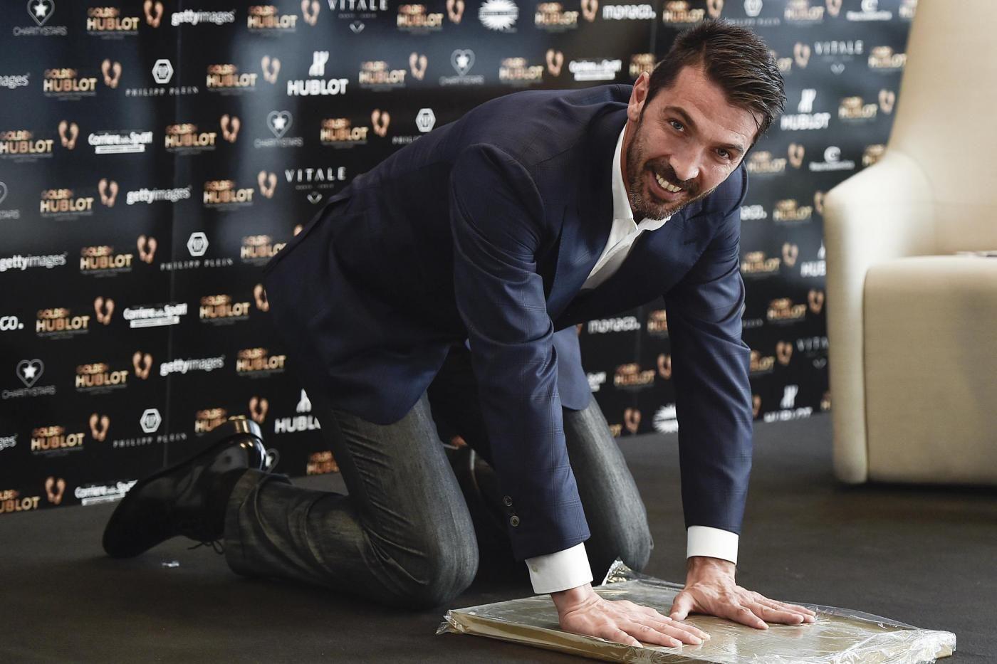 Golden Foot Award 2016