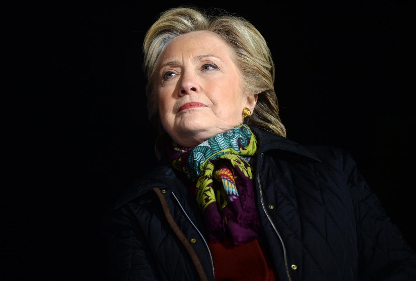 Elezioni Usa 2016: guai per la Clinton che invita l'Fbi a pubblicare la nuova indagine sulle email