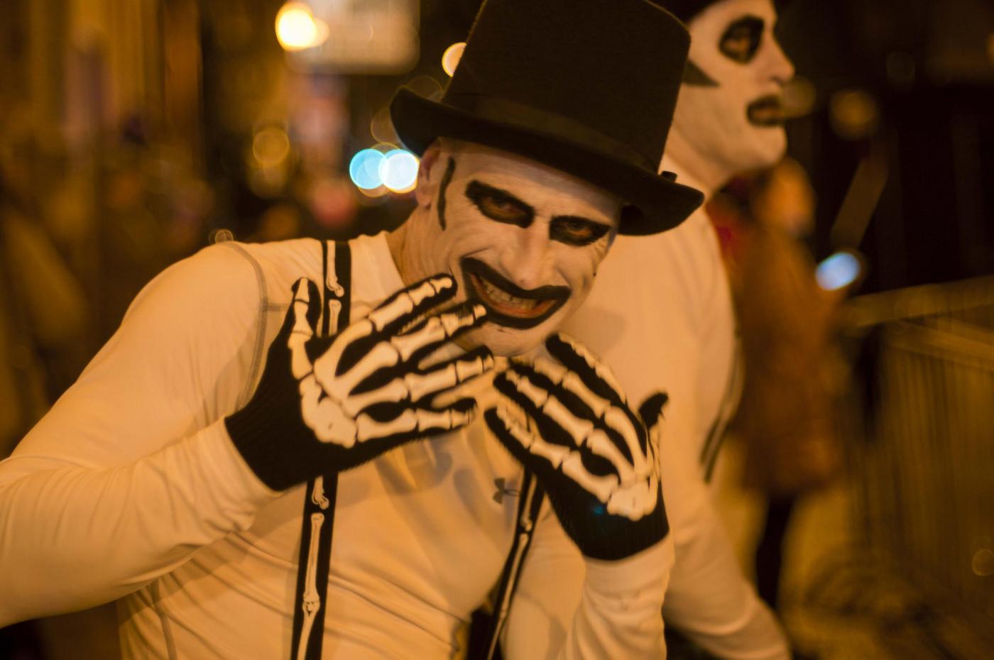 Costumi Halloween fai da te originali, fatti in casa, per bambini, adulti, coppie e animali