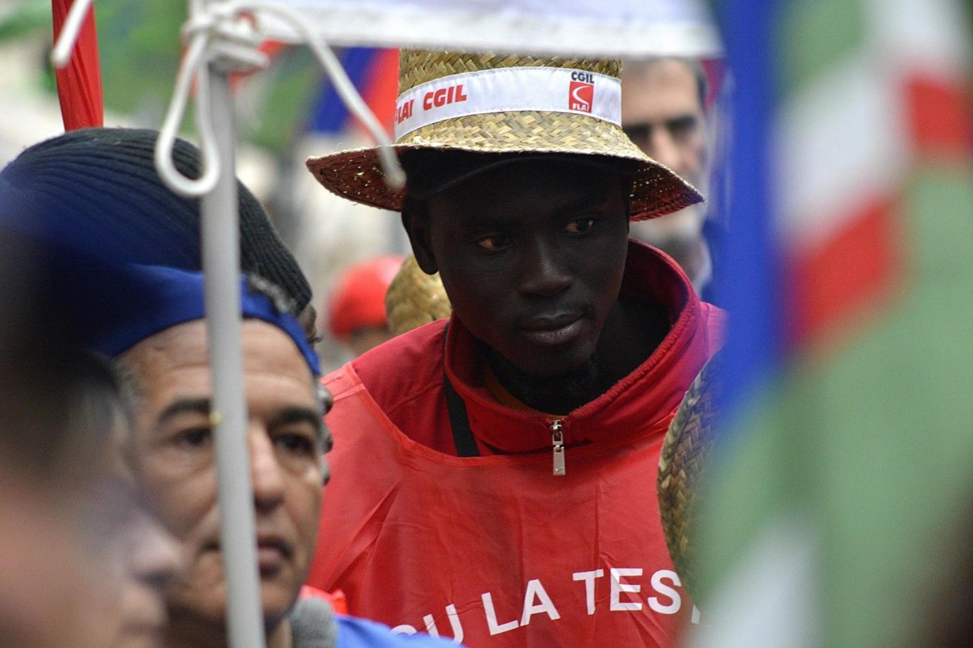 Immigrati motore del Pil italiano: valgono 127 miliardi, quasi come la Fiat